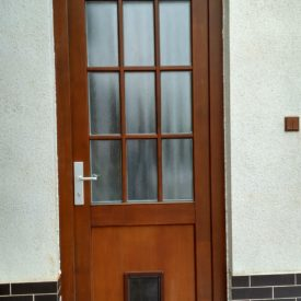 Vchodové dvere s prielezom pre mačku
