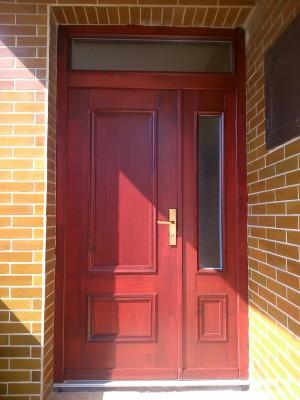 Vchodové dvere kazetové s ozdobnými lištami