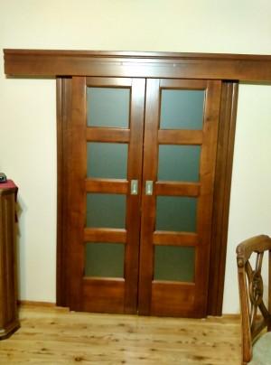 Dvojkrídlové posuvné interiérové dvere