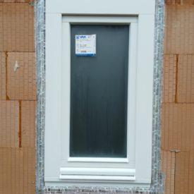 Drevené okno